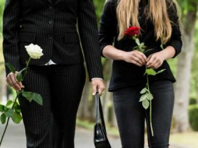Funeral Attire: What to Wear to a Wake